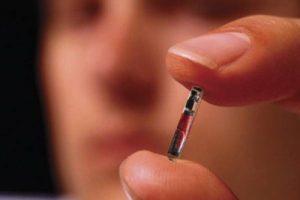 Comienza la implementación experimental del micro chip que será la marca de la bestia del Anticristo