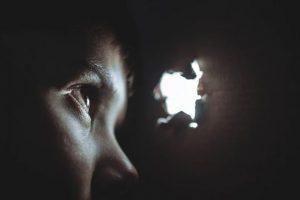 Conclusiones de un informe sociológico: Daños y déficits en niños criados por parejas del mismo sexo