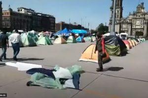 Policías capitalinos se unen a campamento de FRENAAA y se manifiestan contra el gobierno de Sheinbaum